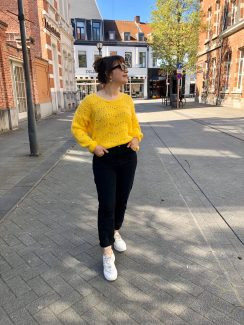 hello yellow knit